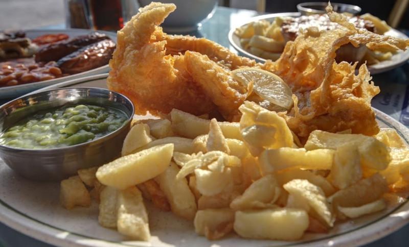 Genie-Fish-and-Chips-Newtown